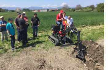 8th May 2016 : Demonstration of JMEKA Mini digger !